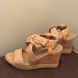 Shoes - Baretraps wedge sandles